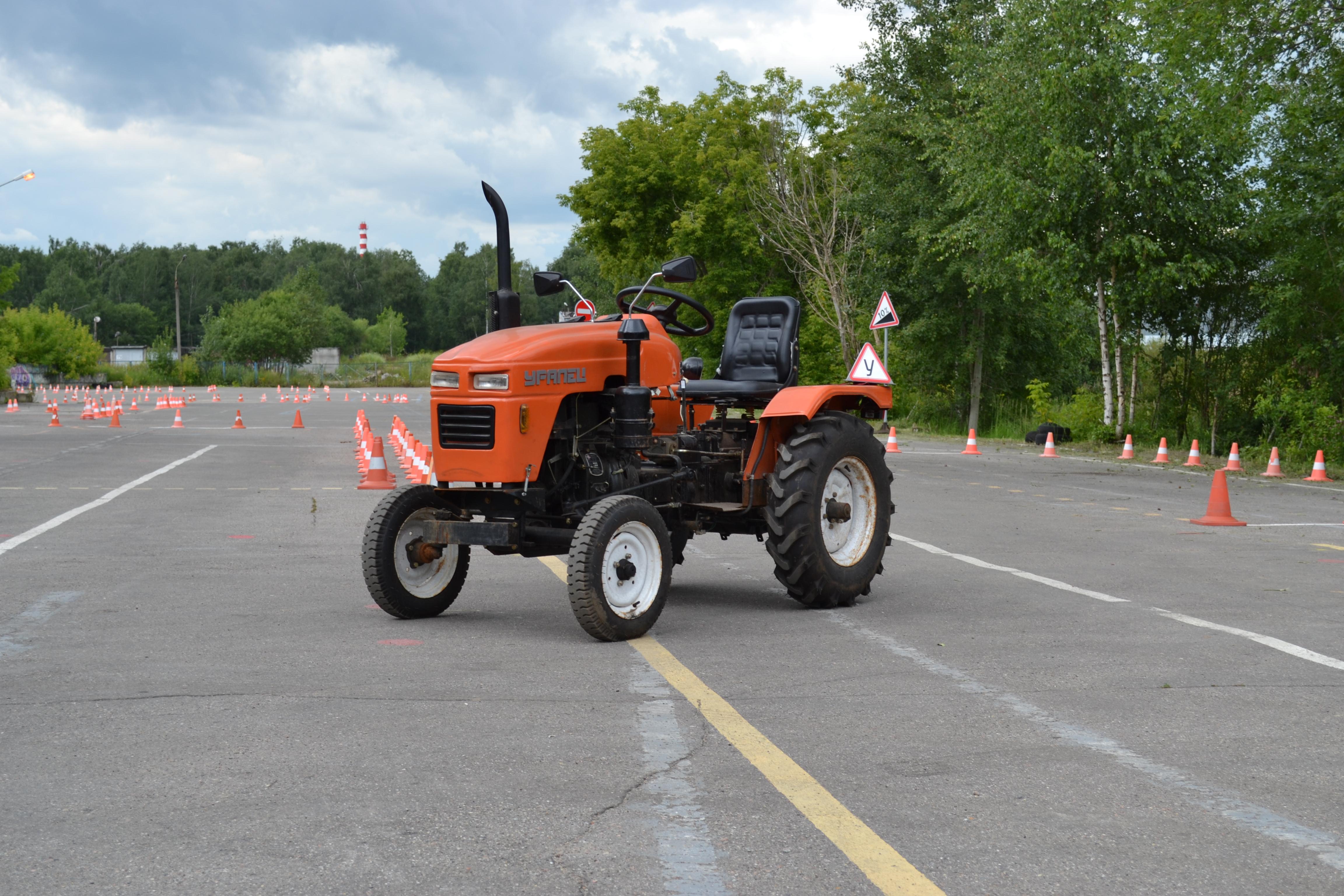 Трактор категории в картинки